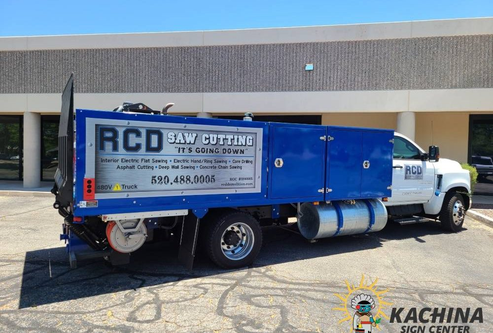 What Are the Benefits of Using Truck and Trailer Graphics?